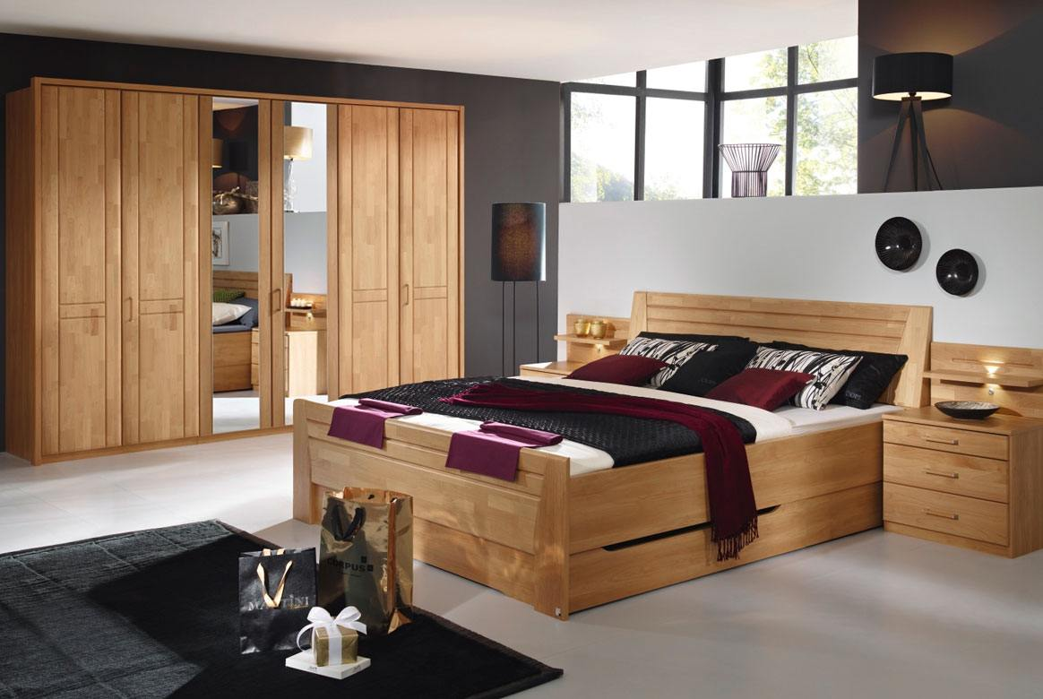 Abbildung Schlafzimmer mit Komfortbett 180x200 u.  6-trg. mit 2 Spiegel Front Erle Sitara   S55