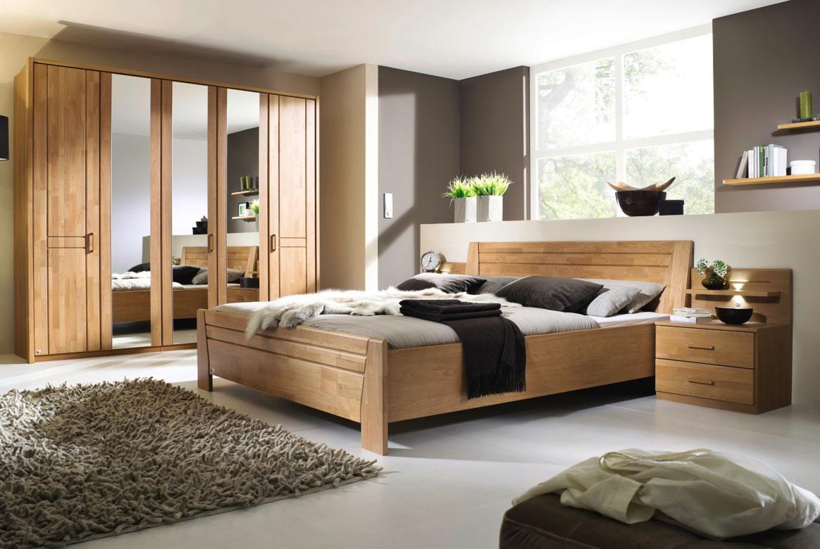 Abbildung Schlafzimmer teilmassiv   Standardbett 180x200 u. Kleiderschrank 5-trg. mit 3 Spiegel Front Erle Sitara   B72